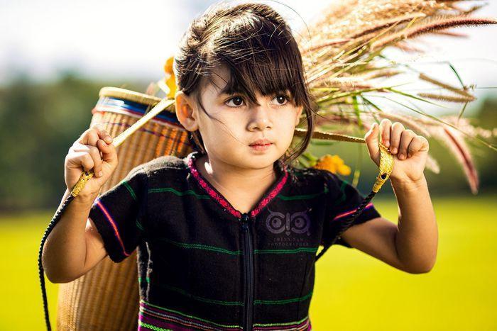 Bộ ảnh cô bé có 'đôi mắt Pleiku' đẹp thiên thần gây bão cộng đồng mạng Ảnh 3
