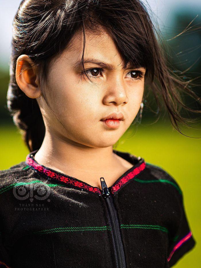 Bộ ảnh cô bé có 'đôi mắt Pleiku' đẹp thiên thần gây bão cộng đồng mạng Ảnh 4