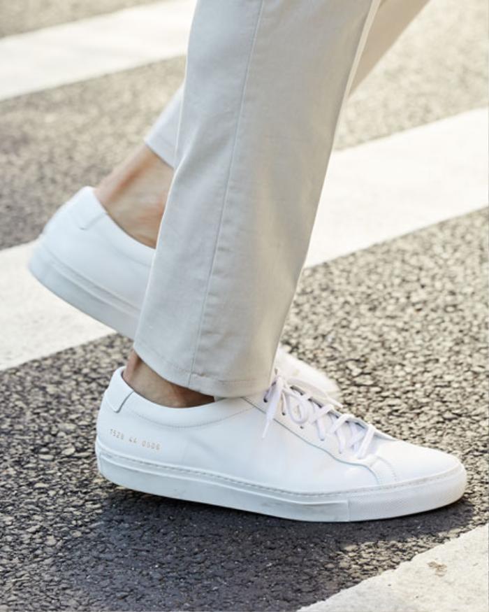 7 mẫu giày thể thao trắng kinh điển mà mọi tín đồ thời trang đều muốn sở hữu Ảnh 2