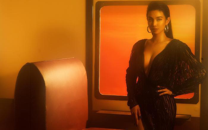 Miss Grand Việt Nam Thùy Tiên trả lời phỏng vấn Tiếng Anh cực gắt khiến fans bất ngờ Ảnh 4