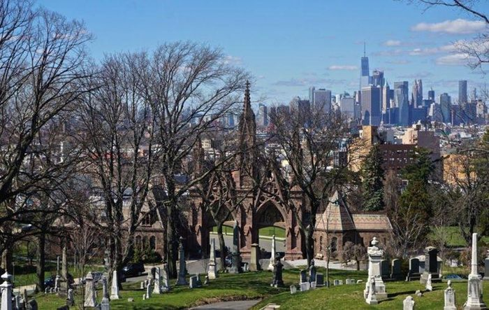 6 nghĩa trang đẹp tựa công viên thu hút nhiều du khách Ảnh 5