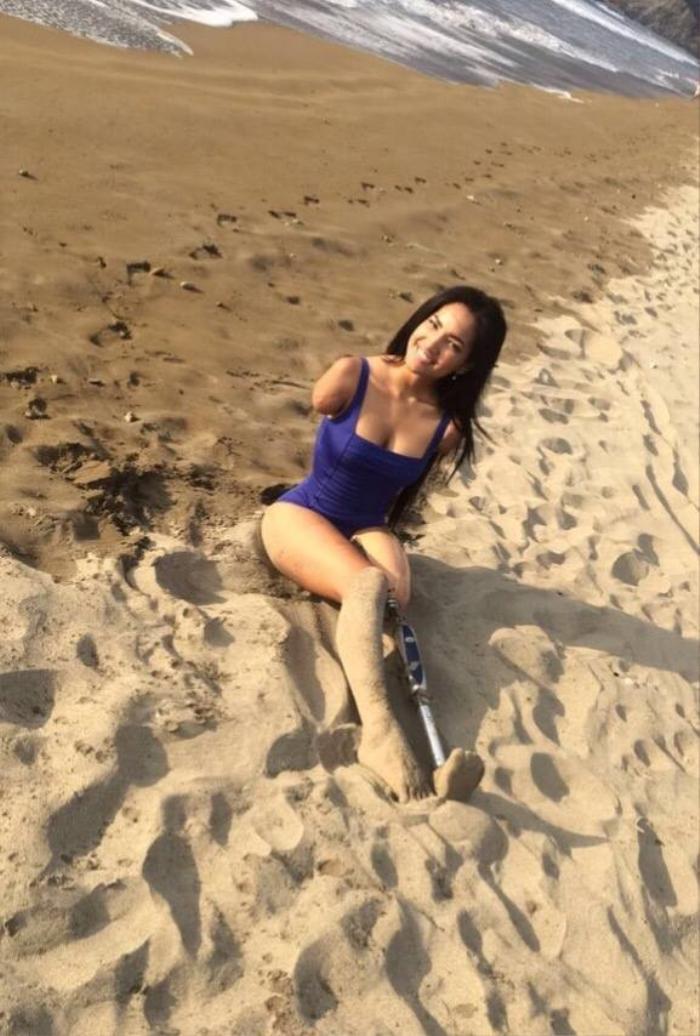 Câu chuyện cảm động về mỹ nữ khuyết tật và hành trình gian nan đến với Miss Universe Ảnh 3