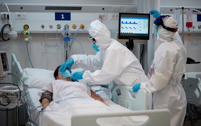 Trải nghiệm đắt giá của nữ y tá gốc Việt giữa đại dịch Covid-19 ở Mỹ Ảnh 2