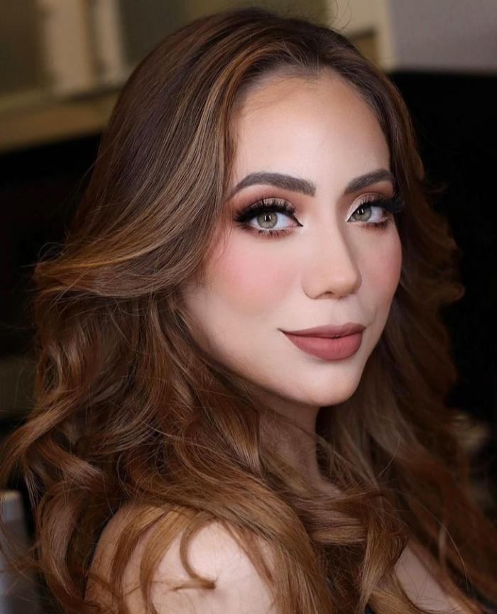 Nhan sắc của đại diện Ecuador tại Miss Universe 2021 bị fan la ó vì nhạt nhẽo kém xinh Ảnh 4