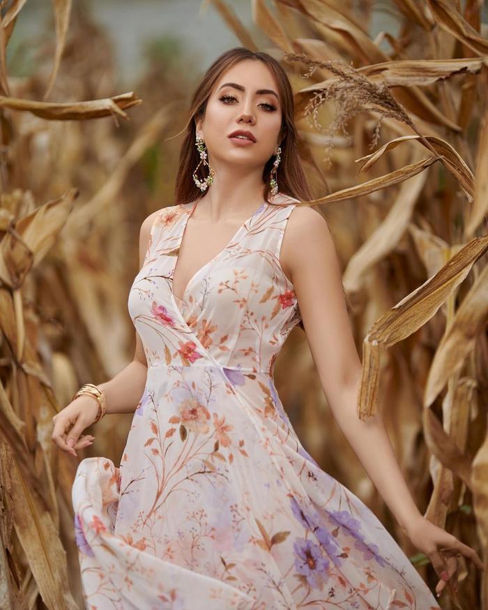 Nhan sắc của đại diện Ecuador tại Miss Universe 2021 bị fan la ó vì nhạt nhẽo kém xinh Ảnh 2