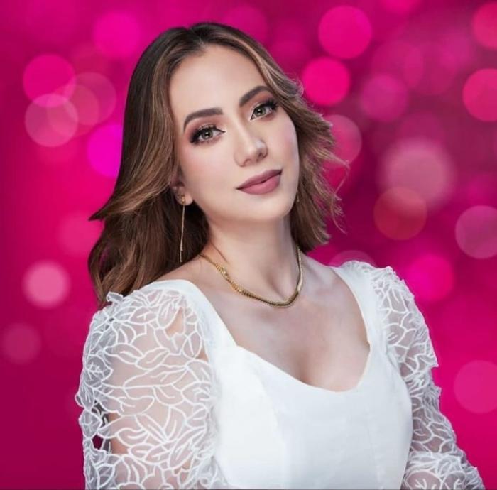 Nhan sắc của đại diện Ecuador tại Miss Universe 2021 bị fan la ó vì nhạt nhẽo kém xinh Ảnh 3