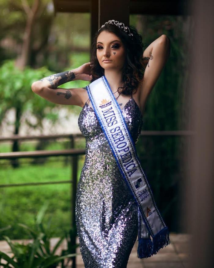 Mỹ nhân xăm kín người như dị nhân gây tranh cãi khi thi Hoa hậu tại Brazil Ảnh 5