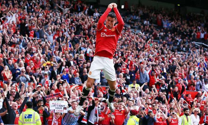 Cựu danh thủ Anh 'quay xe', khen Ronaldo hết lời Ảnh 1