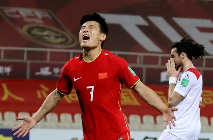 'Tuyển Trung Quốc đấu Việt Nam, kết quả nào sẽ khiến HLV Li Tie bị sa thải?' Ảnh 2
