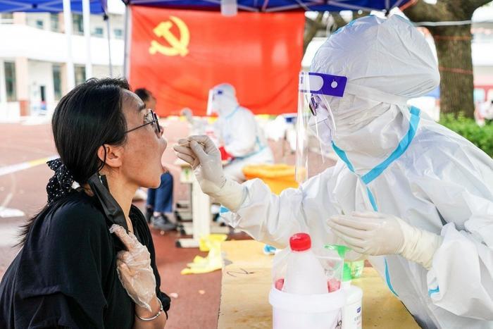 Trung Quốc bùng phát dịch Covid-19 từ ca mắc ủ bệnh 38 ngày, trải qua 9 lần xét nghiệm âm tính Ảnh 3