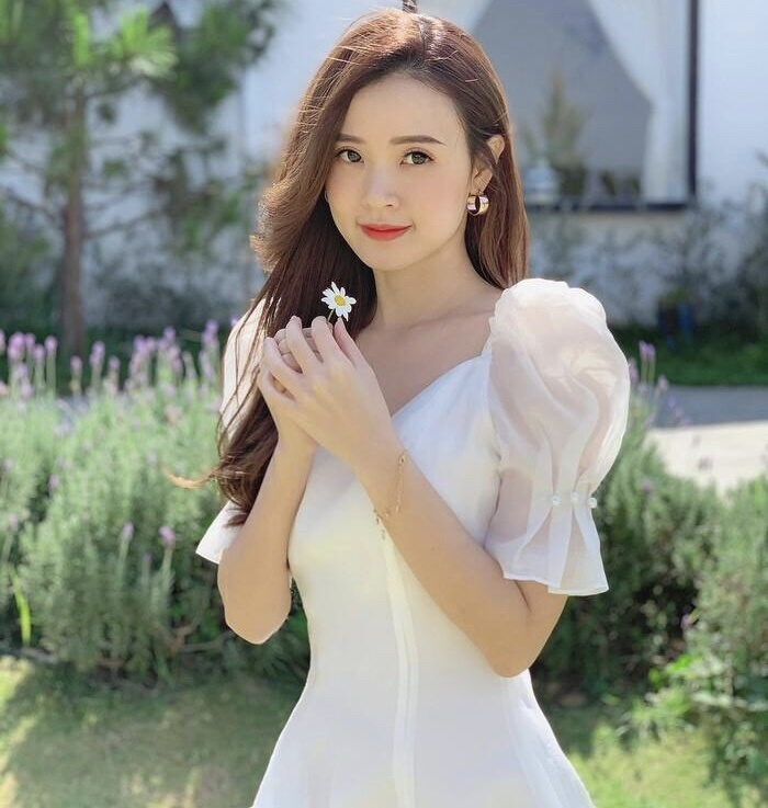 Bị kéo vào dram 'trà xanh', Midu lên tiếng 'đáp trả' netizen và công khai luôn người yêu điển trai Ảnh 9