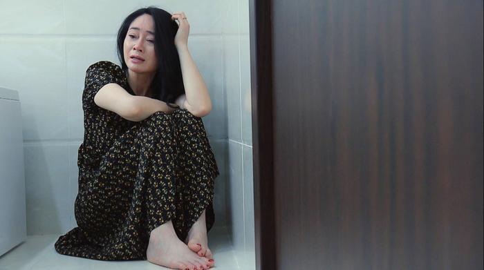 Tập 34 'Hương vị tình thân': Quách Thu Phương nhảy cầu sau vụ sao kê, Thu Quỳnh bị chồng vạch mặt Ảnh 1