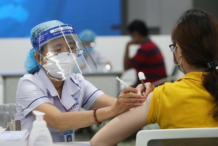 TP.HCM xin rút ngắn khoảng cách giữa 2 mũi tiêm đối với vaccine AstraZeneca xuống tối thiểu 6 tuần Ảnh 1