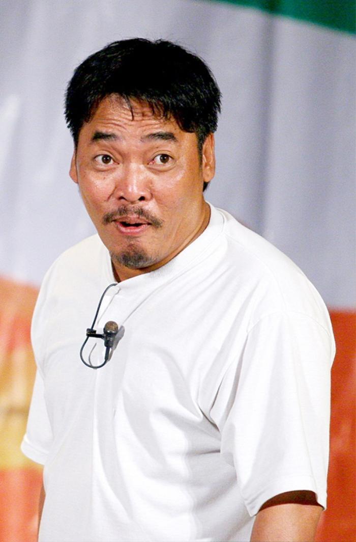 Nam diễn viên nổi tiếng chỉ trích một đạo diễn vì khuyên nghệ sĩ nhường phần trợ cấp cho người khác Ảnh 2