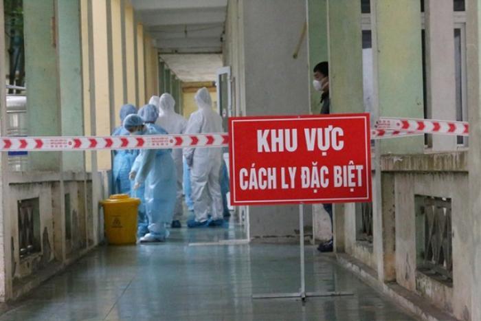 Sáng 14/9: Gần 1.100 ca COVID-19 thở máy và ECMO; Người tiêm 2 mũi vaccine ở Long An được đi lại thế nào? Ảnh 1