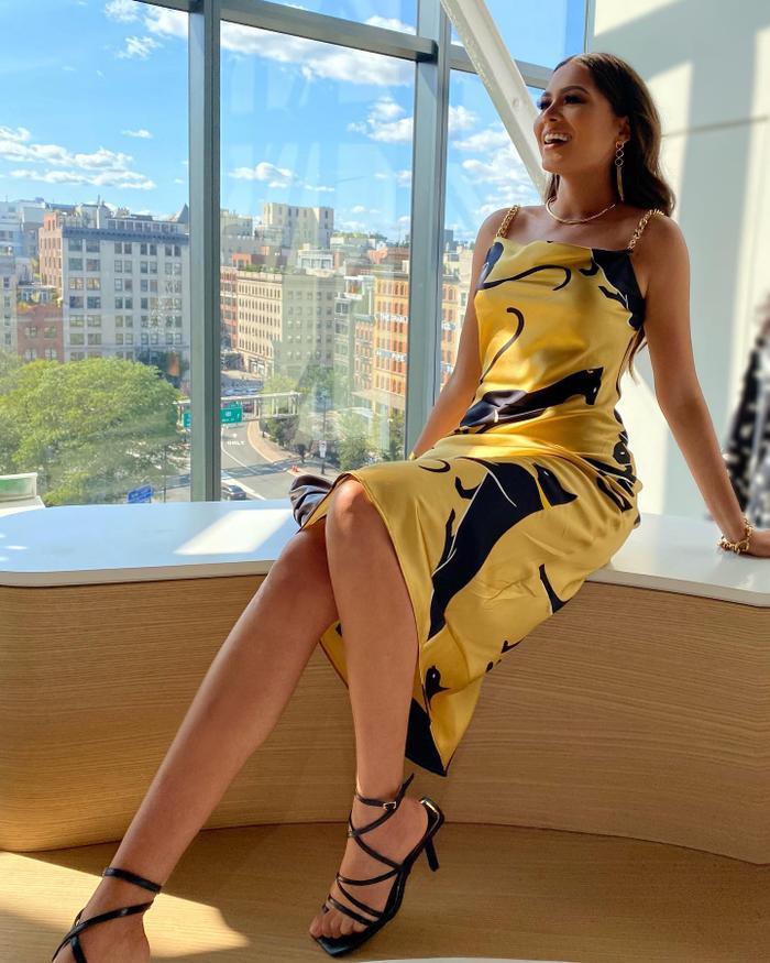Khổ như Miss Universe Andrea Meza đứng cạnh ai cũng bị chê như 'mẹ và con gái' Ảnh 10