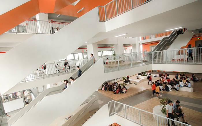 Bị sinh viên và phụ huynh phản ứng về chính sách học phí, Đại học Văn Lang nói gì? Ảnh 3
