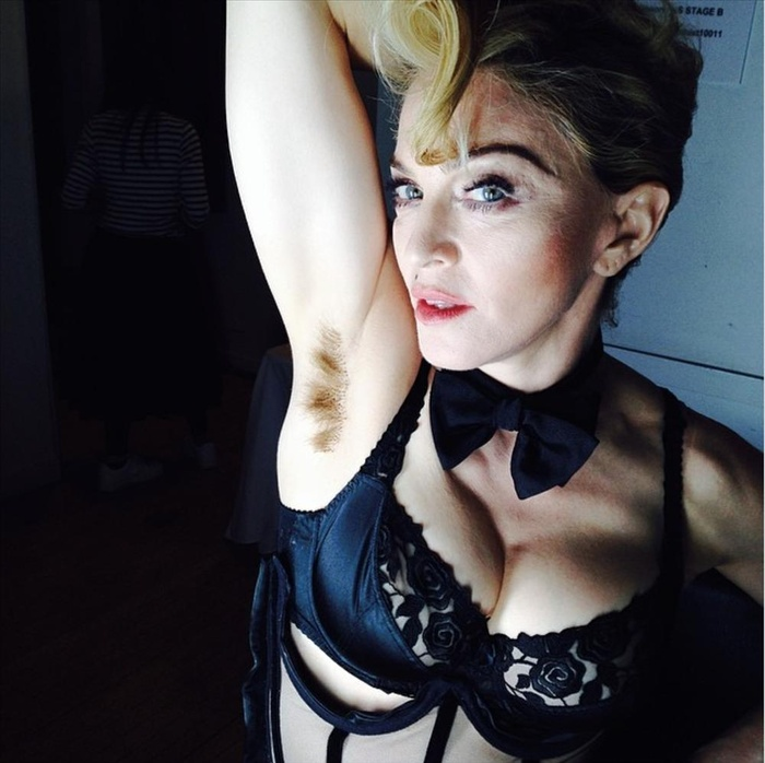 Con gái Madonna vô tư khoe bụng mỡ, lông nách trên thảm đỏ Met Gala 2021 Ảnh 7