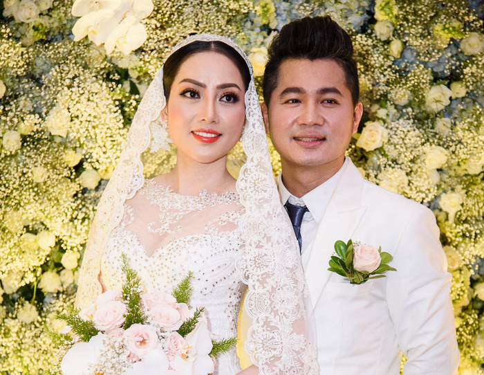 Ca sĩ Lâm Vũ và vợ Hoa hậu bất ngờ thông báo ly hôn sau 2 năm chung sống Ảnh 1