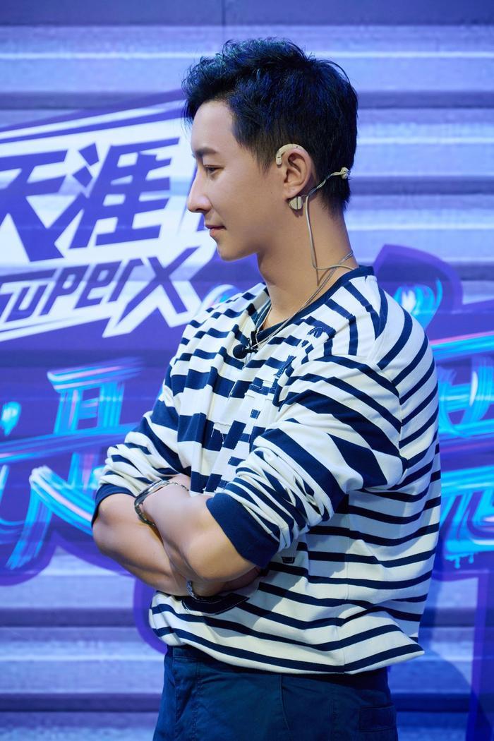 Han Geng quyết quay lưng với trai đẹp, chọn Vương Nhất Bác vì lí do 'thực dụng' này