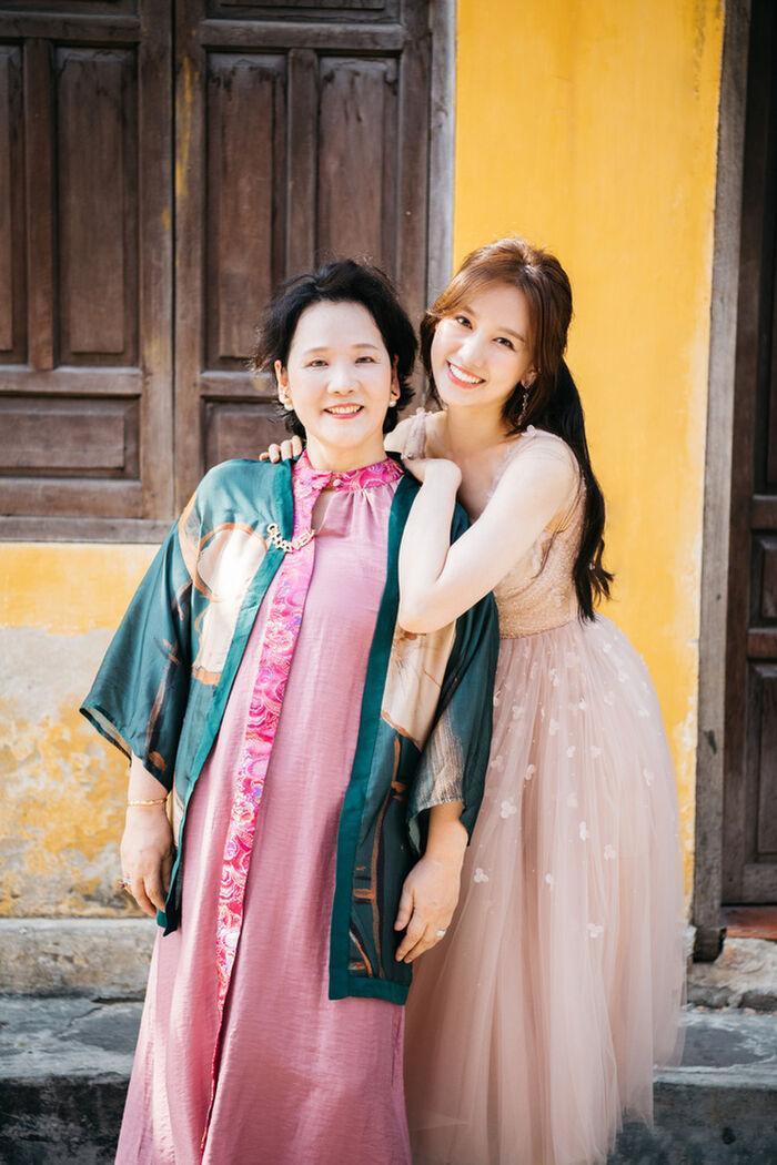 Sau ồn ào sao kê của Trấn Thành, Hari Won than vãn 'mệt mỏi', tiết lộ gia đình bên Hàn vẫn ở nhà thuê Ảnh 3