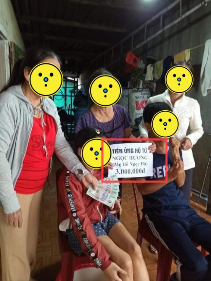Mẹ Hà Hồ bị 'soi' chi tiết gây tranh cãi khi đi phát quà từ thiện miền Trung Ảnh 2