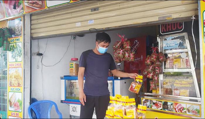 TP.HCM bán đồ ăn mang về: Tô hủ tíu 40k - ship 60k, khách xót ruột đắn đo, chủ tiệm rớt nước mắt