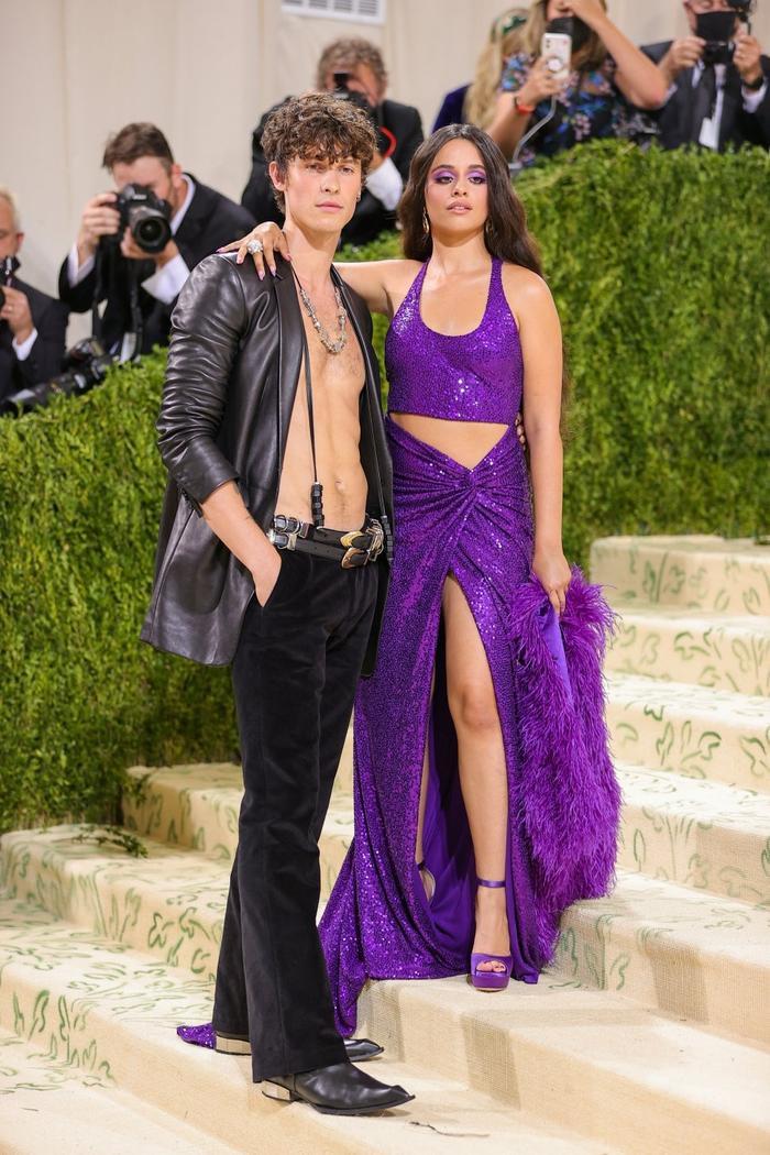 Sao Hollywood diện đồ đôi táo bạo tại Met Gala 2021, cute nhất phải là vợ chồng Justin Bieber
