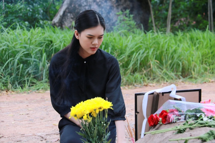 Diễn viên Ngọc Trinh bất ngờ tái xuất sau thời gian cạo đầu quy y, còn cân hẳn 2 vai chính trong phim mới Ảnh 3