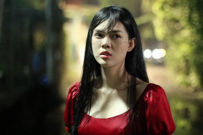 Diễn viên Ngọc Trinh bất ngờ tái xuất sau thời gian cạo đầu quy y, còn cân hẳn 2 vai chính trong phim mới Ảnh 2