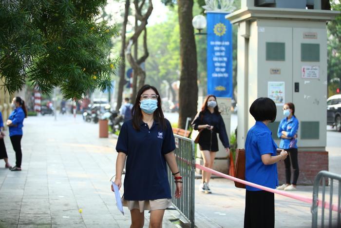 Hà Nội yêu cầu các trường sẵn sàng đón học sinh đi học, đảm bảo 100% giáo viên tiêm ít nhất 1 mũi vaccine Ảnh 1