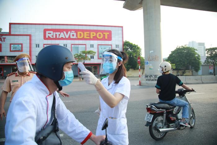 Hỏa tốc: Từ 12h ngày 16/9, một số quận, huyện tại Hà Nội được bán hàng ăn, uống mang về Ảnh 4