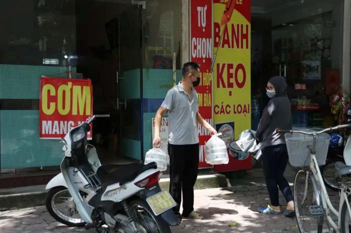 Hỏa tốc: Từ 12h ngày 16/9, một số quận, huyện tại Hà Nội được bán hàng ăn, uống mang về Ảnh 2