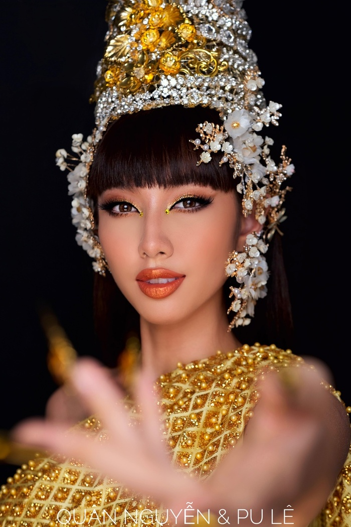 Thùy Tiên gây xôn xao khi nói tiếng Thái kèm tạo hình đậm chất gái Thái giống MV mới của Lisa Ảnh 4