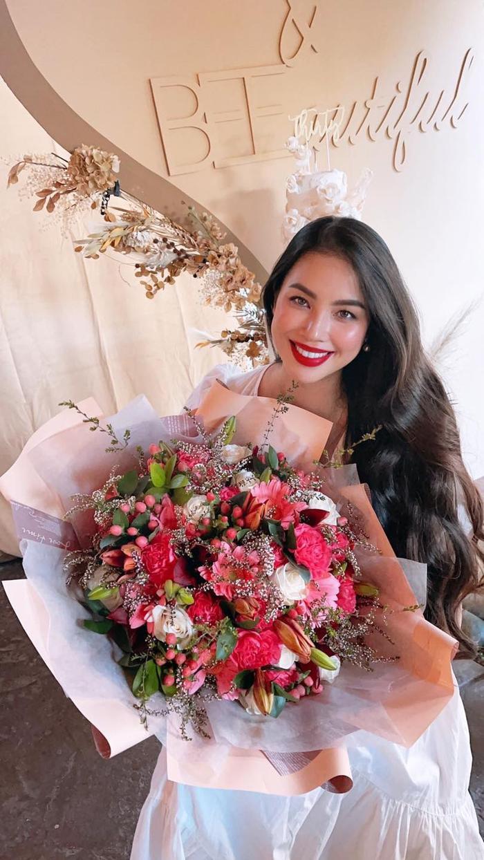 Hoa hậu Phạm Hương lần đầu công khai hình ảnh rõ mặt của con trai thứ hai Ảnh 8