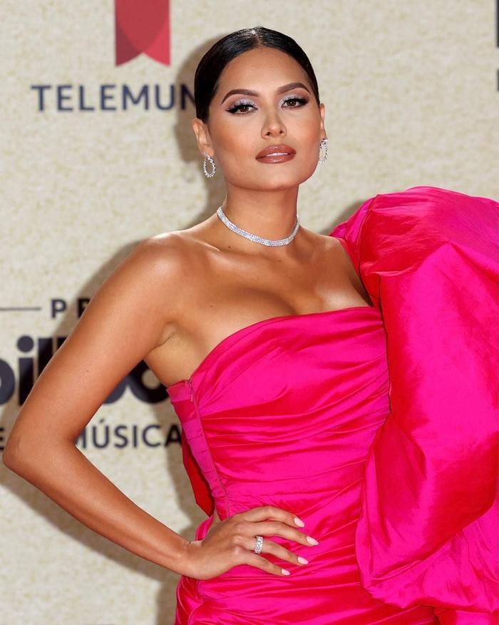 Hoa hậu Hoàn Vũ Andrea Meza mặc chiếc váy như muốn làm 'mẹ thiên hạ' trên thảm đỏ Ảnh 5