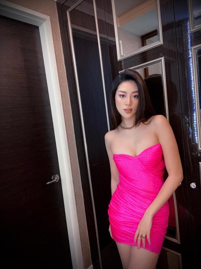 Khánh Vân biến hoá bộ váy phong thủy đưa cô vào Top 21 Miss Universe với 1001 style đẹp xỉu Ảnh 8