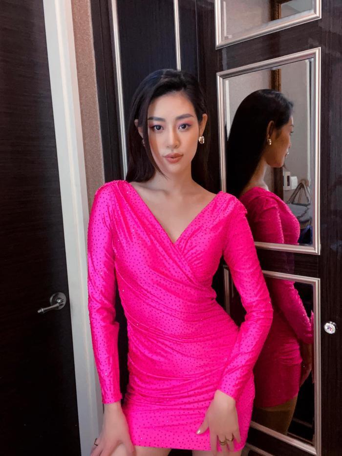 Khánh Vân biến hoá bộ váy phong thủy đưa cô vào Top 21 Miss Universe với 1001 style đẹp xỉu Ảnh 7