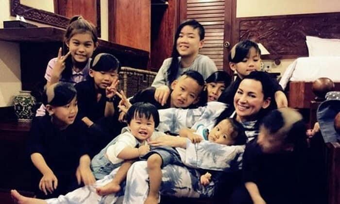 Tỷ phú Hoàng Kiều thông báo sẽ nuôi nấng 23 người con nuôi của Phi Nhung đến lúc thành người Ảnh 1