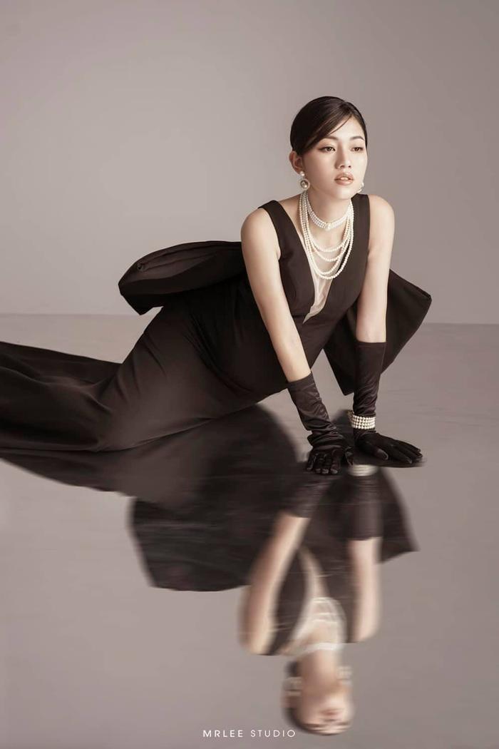Á hậu Thanh Tú thông báo mang thai lần hai với loạt ảnh high fashion xịn mịn Ảnh 2