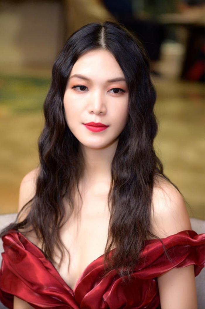 Hoa hậu Việt lùm xùm học vấn: Người chưa tốt nghiệp cấp 3, người bảng điểm toàn 'trứng ngỗng' Ảnh 9
