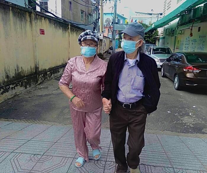 Bố NSƯT Hoài Linh, Dương Triệu Vũ từ trần, sao Việt 'nói lời ruột gan' chia buồn Ảnh 6