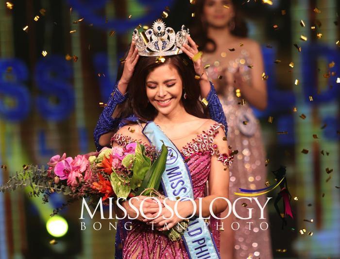 Miss World Philippines bị 'té sấp mặt' 2 lần trong đêm chung kết dài 5 tiếng rưỡi Ảnh 1