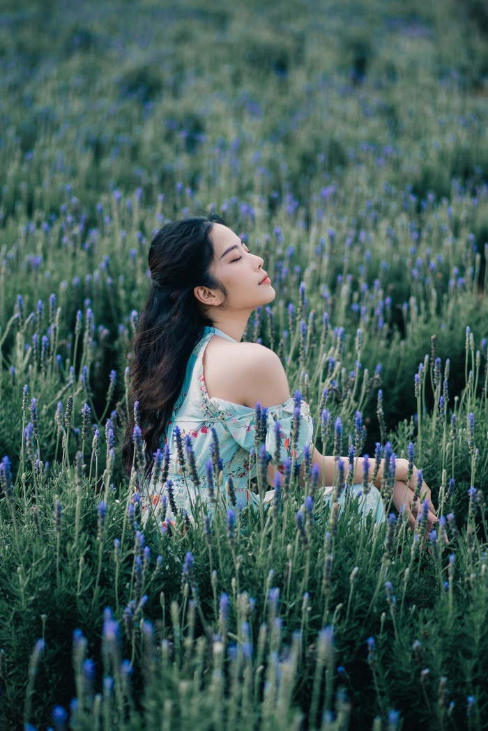 Nam Em xinh đẹp như ngọc nữ, nhá hàng sản phẩm mới do chính cô đạo diễn Ảnh 5