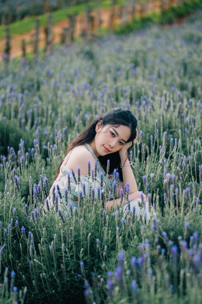 Nam Em xinh đẹp như ngọc nữ, nhá hàng sản phẩm mới do chính cô đạo diễn Ảnh 7