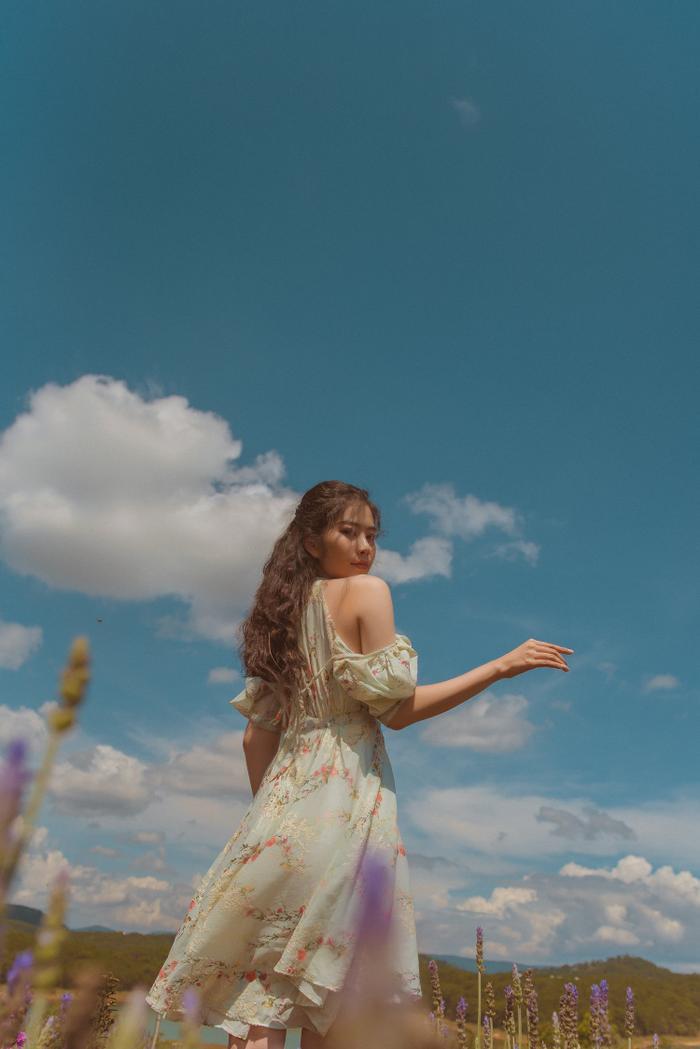 Nam Em xinh đẹp như ngọc nữ, nhá hàng sản phẩm mới do chính cô đạo diễn Ảnh 4