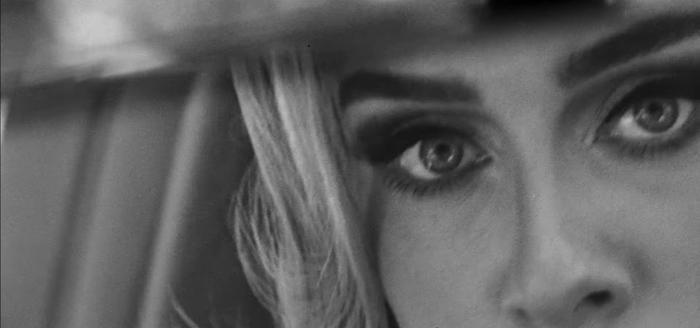 Adele nhá hàng teaser bài mới: Sẽ là bản tình ca buồn chẳng kém Someone Like You? Ảnh 19