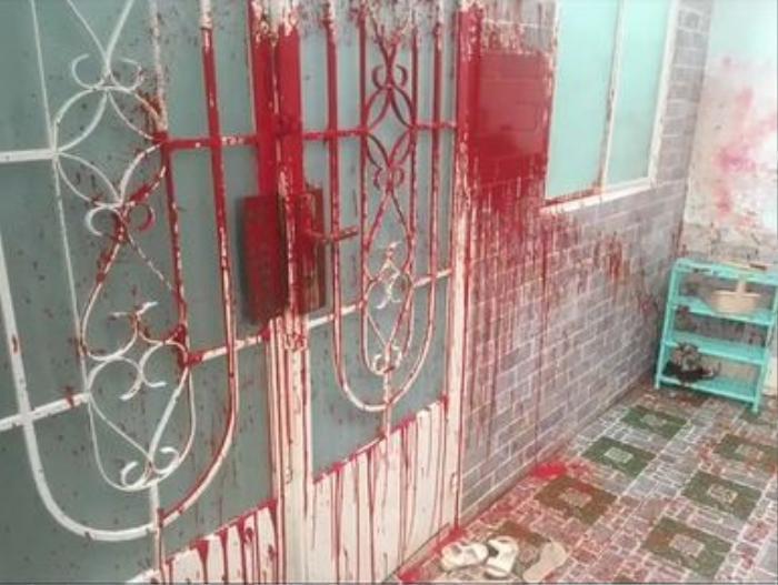 Xôn xao hình ảnh nhà Trang Khàn bị tạt mắm tôm và sơn, thực hư ra sao? Ảnh 1