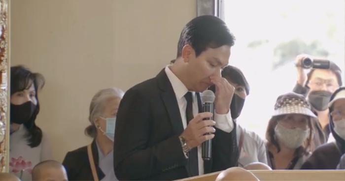 Nghe Mạnh Quỳnh hát 'Tiễn em lần cuối' tại lễ tang Phi Nhung, netizen nghẹn ngào: 'Chắc anh đau lắm' Ảnh 8