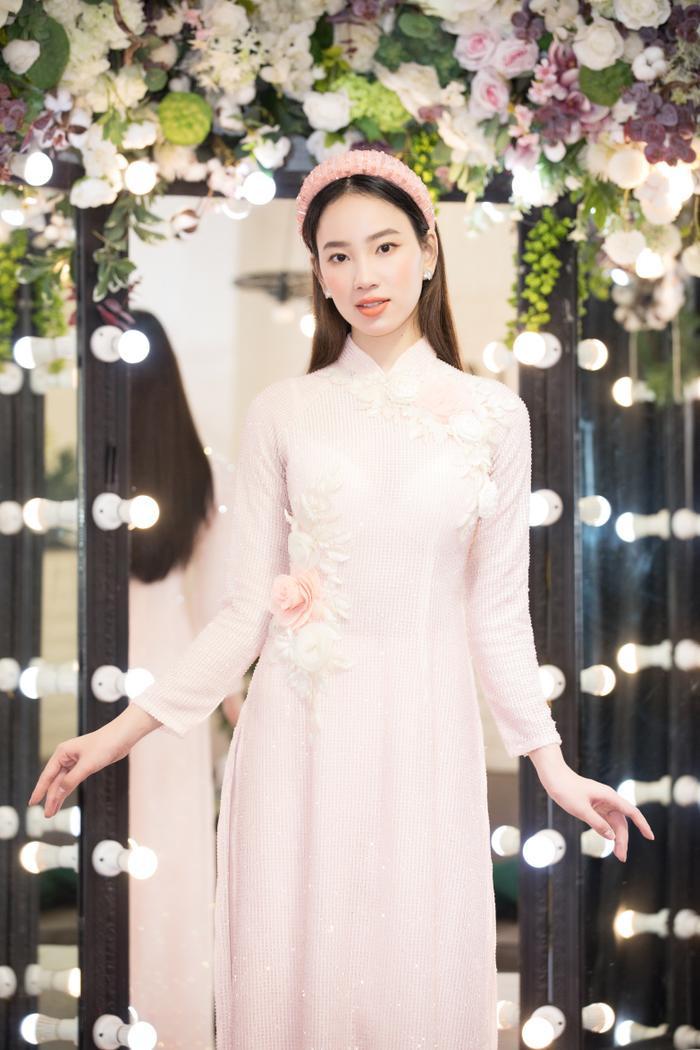 Fan hi vọng Ái Nhi làm nên chuyện tại Miss Intercontinental khi được Miss 'bấm quẻ' Ngọc Thảo truyền lửa Ảnh 7